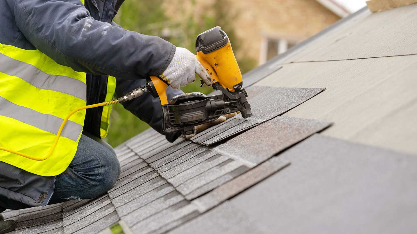 Why It's Important To Hire A Local Roofing Contractor